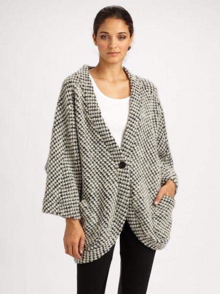 grå och vit rutig, överdimensionerad kofta med linne