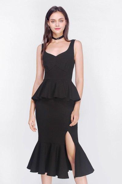 svart midiklänning med peplum fishtail