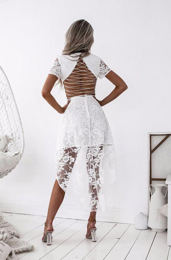 Hög låg spets klänning vit