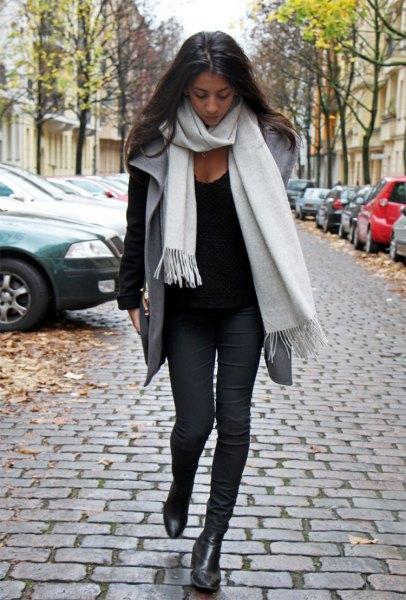 vit kashmir halsduk svart tröja grå väst