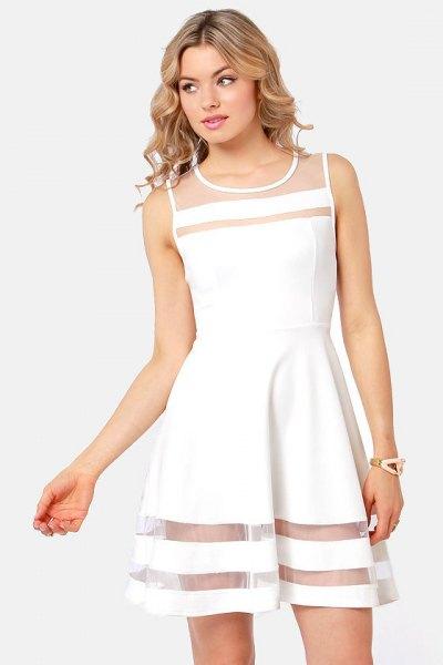vit skridsko klänning mesh ränder