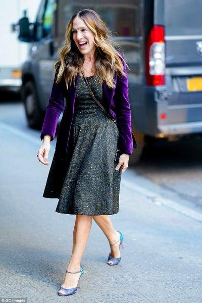 lila sammet kavaj grå tweed klänning