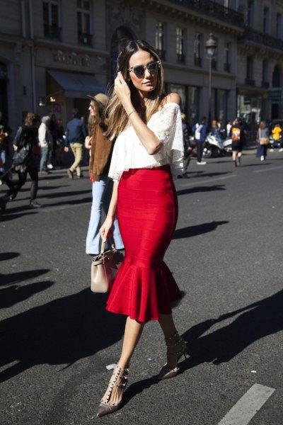röd volang kjol vit axelbandslös spets topp