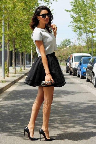 Mini kjol outfit av svart tyll krusiduller