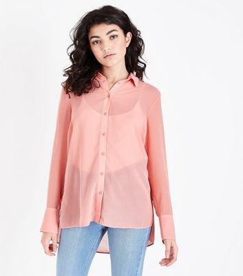 Peach Semi Sheer Button Up Shirt med ljusblå mamma-jeans