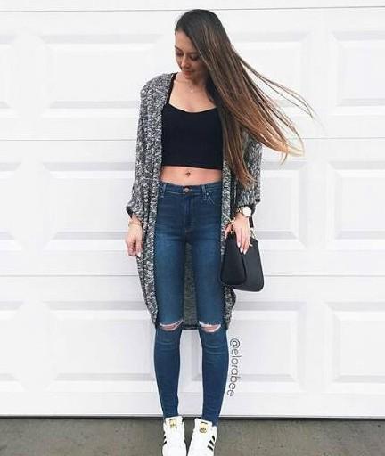 Heather Grey ryckte på axlarna mörkblå rippade skinny jeans