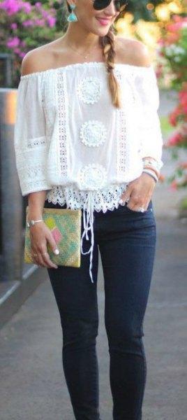 vit virkad spets från toppen med smala jeans