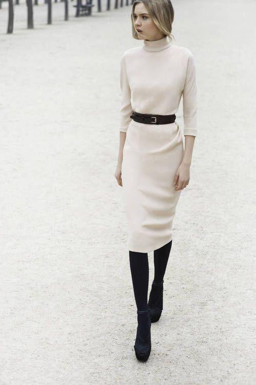 vit turtleneck klänning med bälte