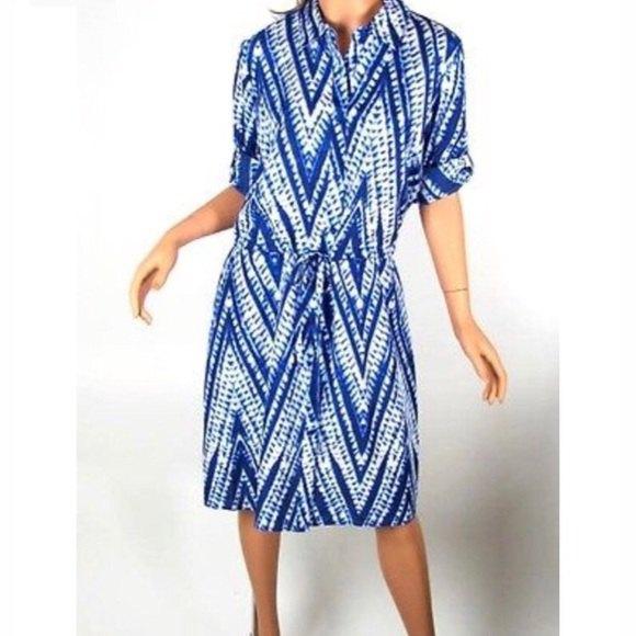 blå och vit tribal tryckt tie-dye skjorta klänning