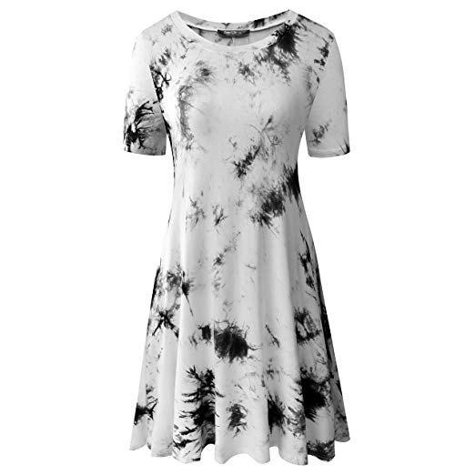 vit och svart slipsfärgad t-shirt miniskridsklänning