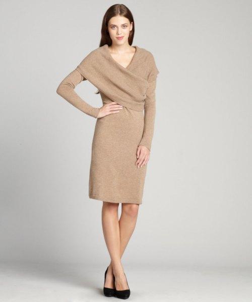 Cashmere-klänning med en crepe wrap-krage