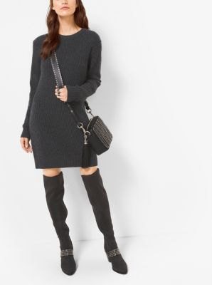 svart kashmirtröja miniklänning overknee stövlar