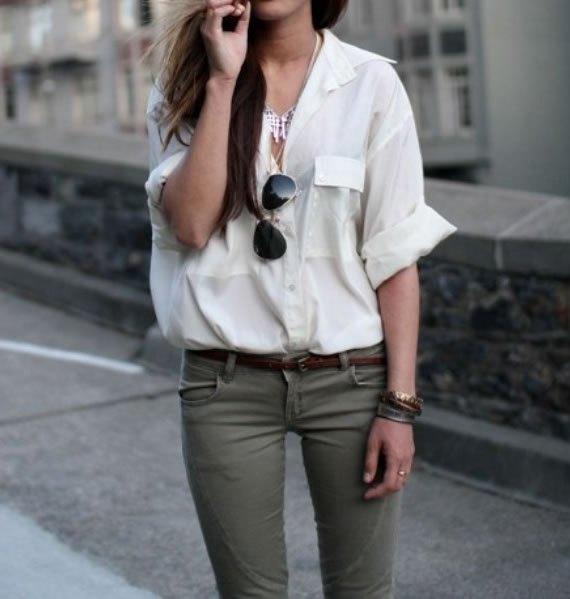 vit knapp överdimensionerad skjorta gröna jeans