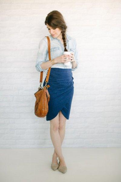 Marinblå tulpan kjol med chambray skjorta