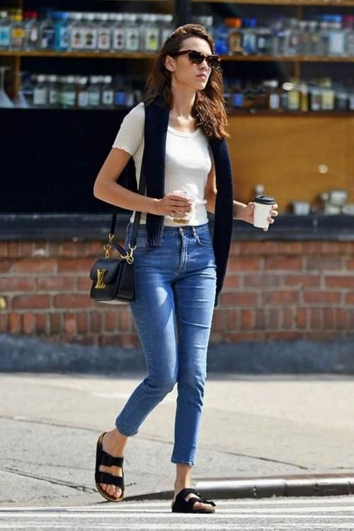 svarta Birkenstocks-jeans