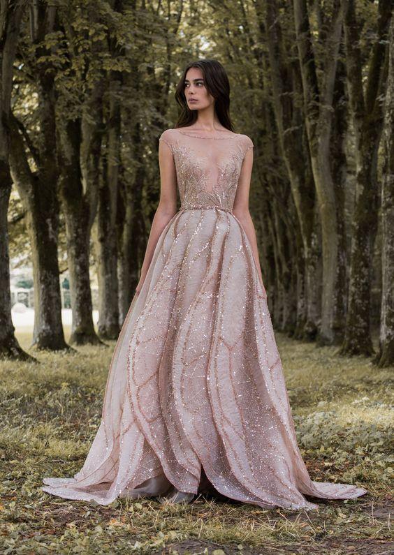 Bröllop i rosa guldklänning