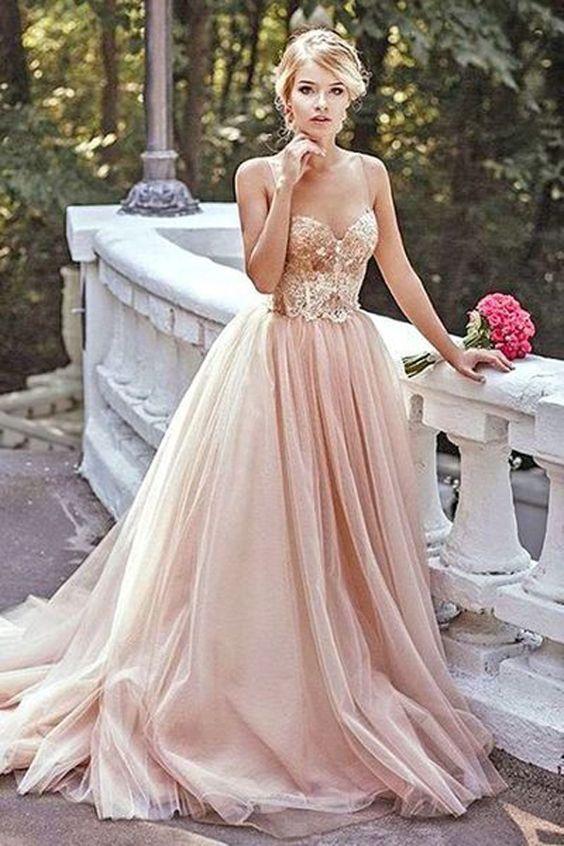 Klänning i rosa guld