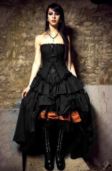 Ruffle höga maxiklänningar i svart med snörning i kalven