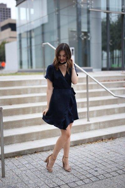 Mini wrap klänning med krage