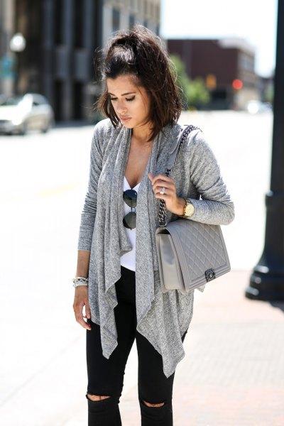 grå casual kofta med matchande quiltad läder axelväska