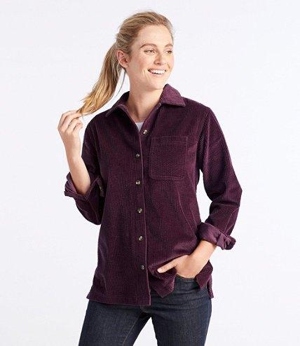 svart corduroy skjorta, mörkblå skinny jeans