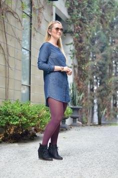 blå leggings och svarta stövlar i läder