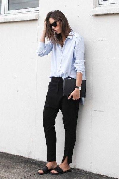 vit knapp-upp skjorta svarta chinos