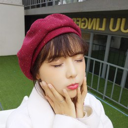 rosa målare hatt vit ull trenchcoat