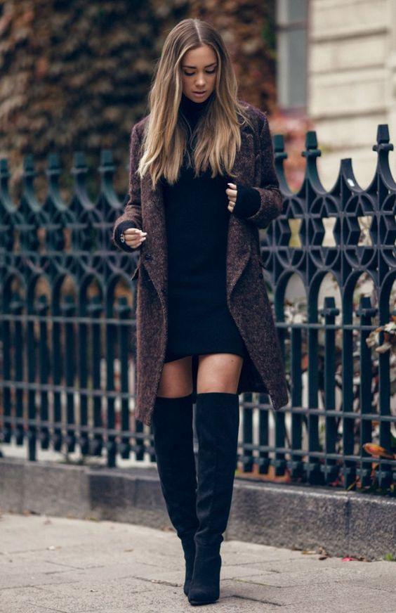 svart stickad klänning lång kappa