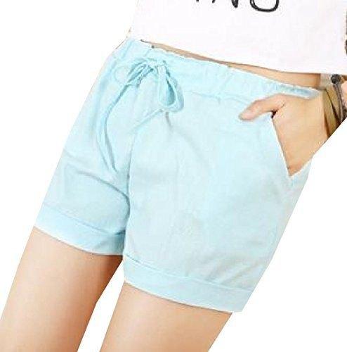 vit kort t-shirt med himmelsblå shorts med resår i midjan och mini manschetter