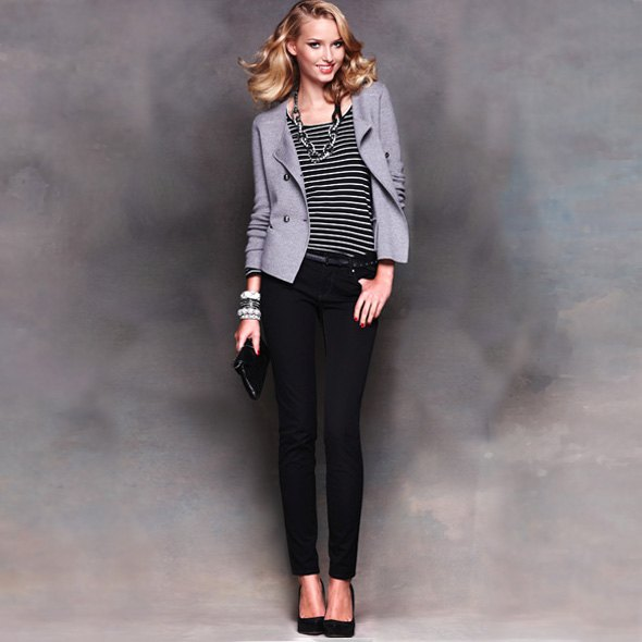 randig t-shirt grå blazer svarta ponte byxor