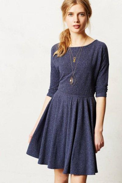 Mörkgrå, knälång långärmad skateravslappnad klänning i bomull