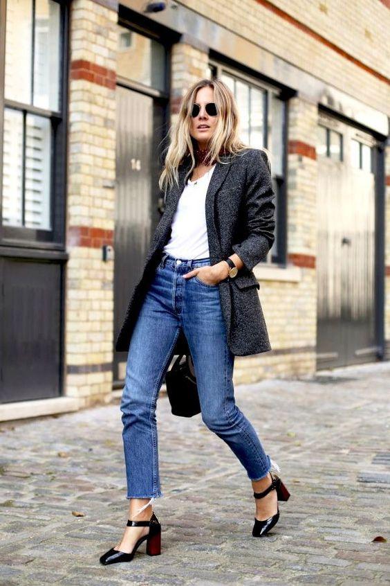 sliten botten jeans vit skjorta blazer