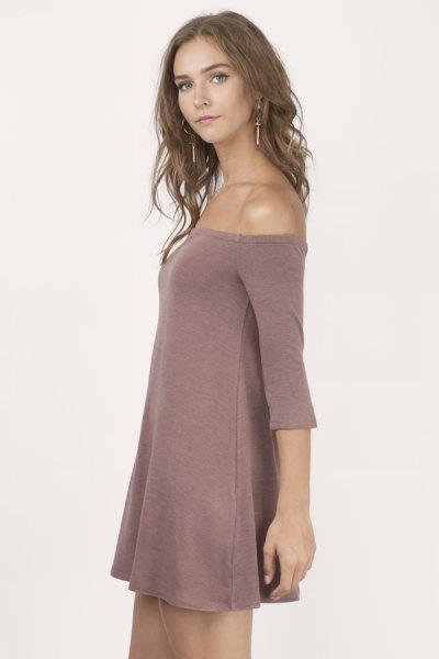 rosa axelbandslös gungklänning