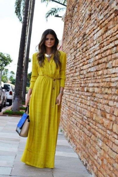 gul mönstrad maxikjol klänning med silver choker halsband