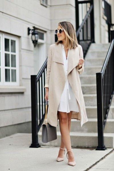 Ljusrosa långdräkt jacka klänning med matchande klackar