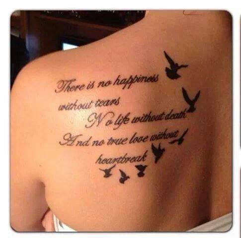 långt citat med duva tatuering design