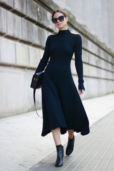 långärmad klänning ankelstövlar med hög hals