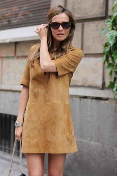 Camel mockaskjortklänning med stövlar