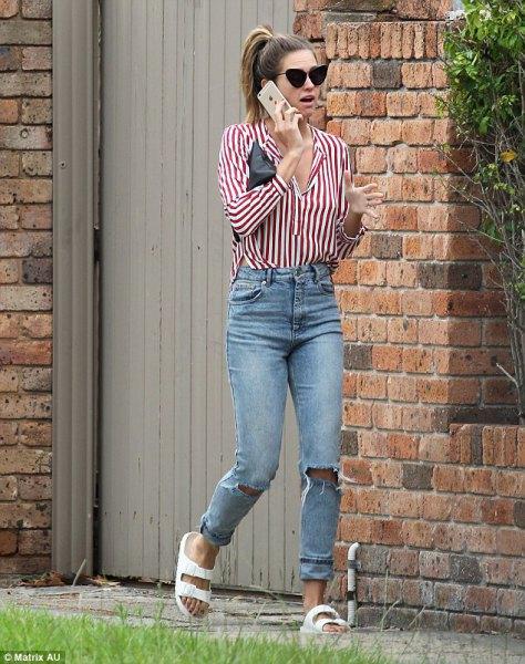 röda och vita randiga skjorta pojkvän jeans