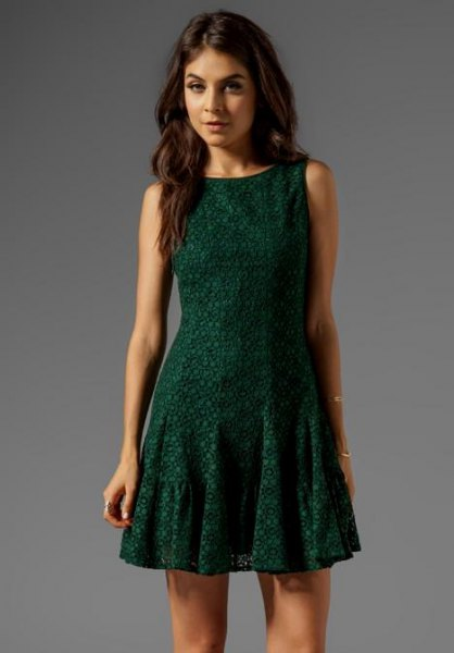 mörkgrön ärmlös mini baksmälla klänning