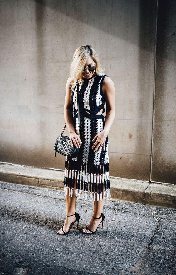 Virkad klänning två färger