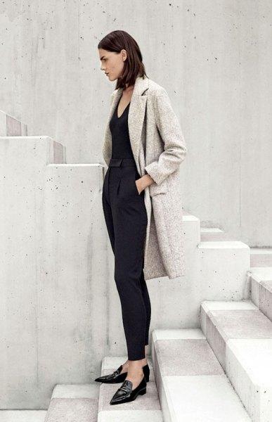 ljunggrå ullrock helt svart outfit