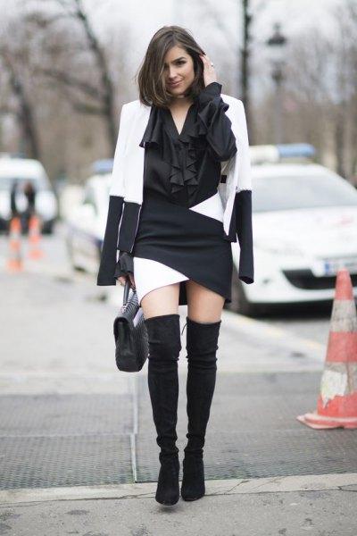vit och svart färgkavaj med matchande miniklänning