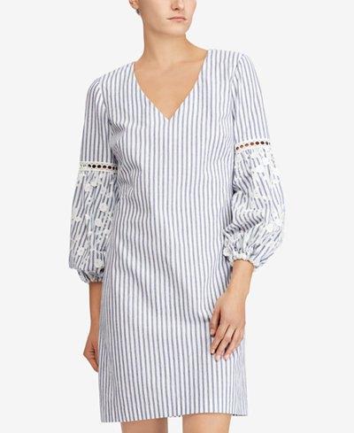 grå och vit vertikal randig skiftklänning med puffärmar