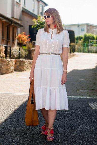 vit nyckelhål rynkad midja ruffad klänning