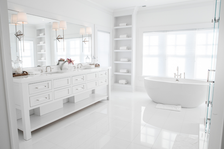 Alla vita badrum - Övergångs - badrum - Integritetsanpassad.