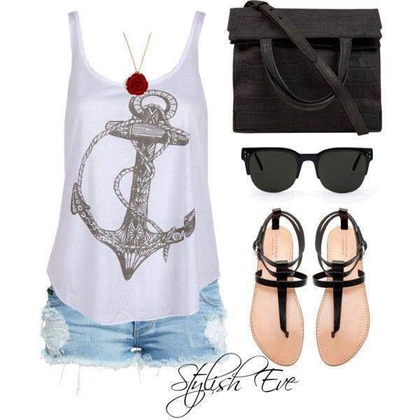 Bär aldrig detta outfit när du är på stranden  Snygga nattkläder.