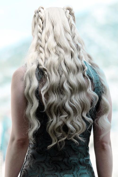 Bästa Khaleesi-hår på Game of Thrones    Khaleesi hår, Khalessi.