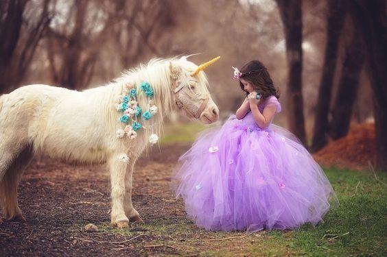 Bästa idéer för Unicorn Theme Outfit    Tutus för flickor, klänningar för flickor.